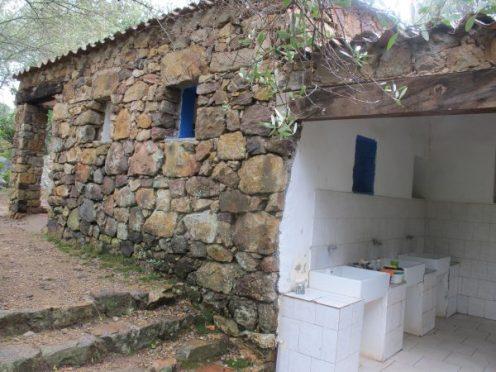 Sanitärgebäude, Camping E Gradelle, Korsika / © Camping Korrespondent