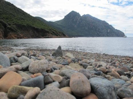Strand bei Camping E Gradelle, Korsika / © Camping Korrespondent