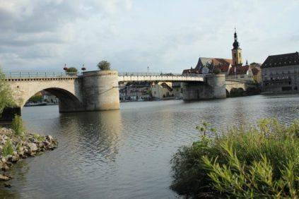 Fußgängerbrücke in die Altstadt Kitzingen
