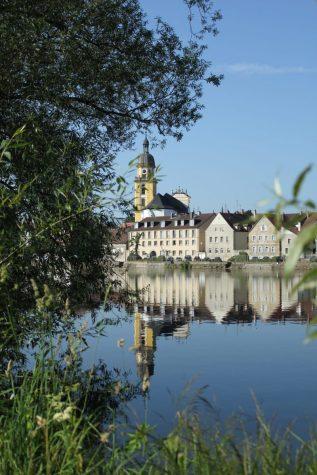 Blick vom Stellplatz auf die Altstadt Kitzingen